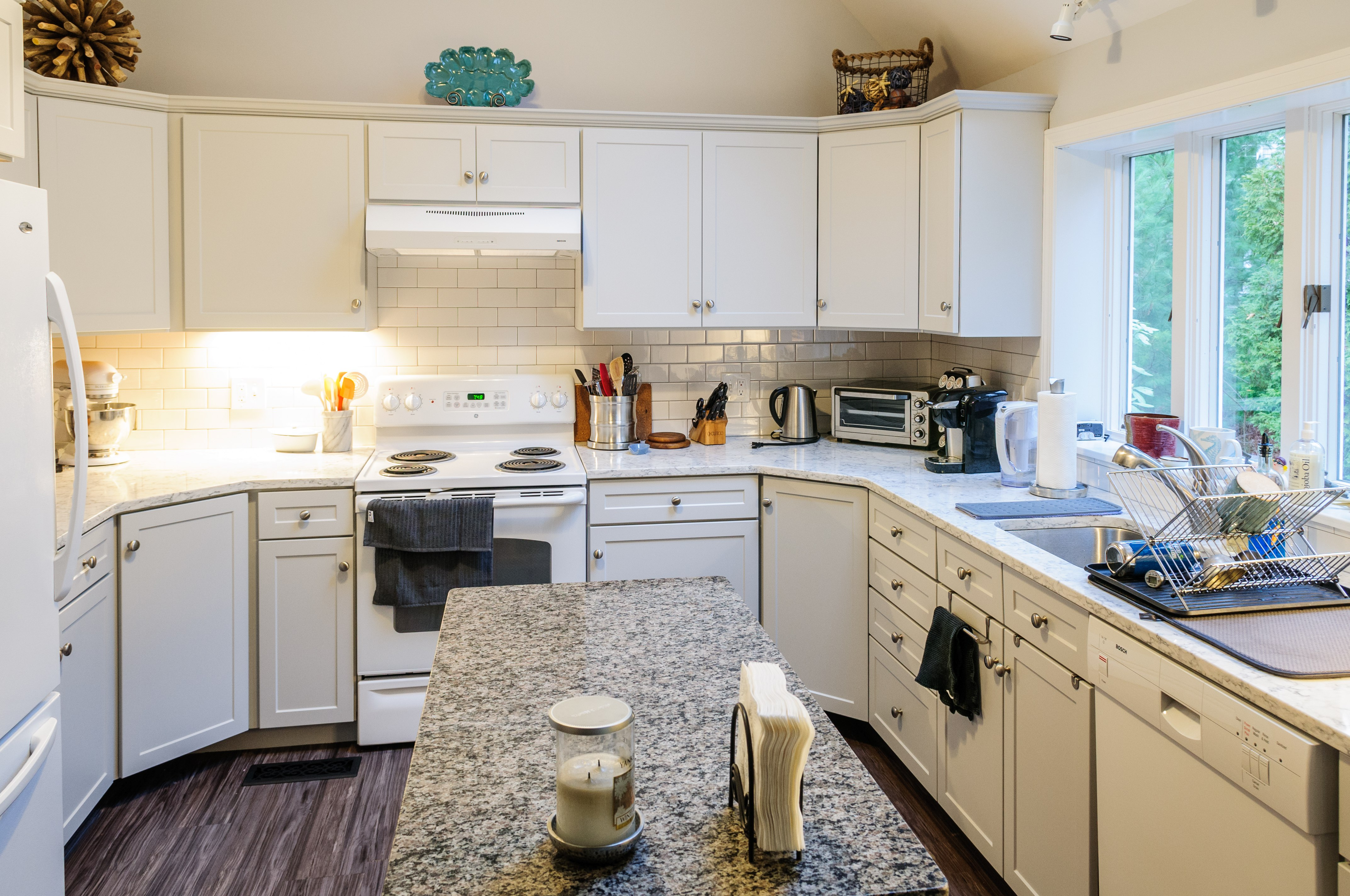 Replace Kitchen Cabinets Keep Countertop